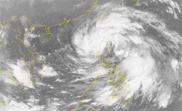 Hình ảnh vệ tinh của cơn bão. Ảnh: NCHMF.