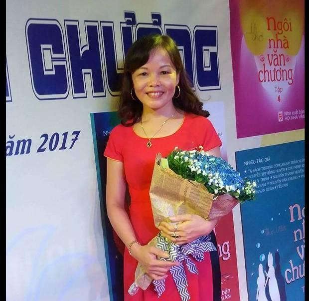 Cô giáo Lê Huyền - người đã có những vấn thơ xúc động.