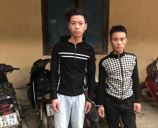 Dương Kim Tâm và Đinh Văn Hòa cùng tang vật thu giữ - Ảnh: Công an Thanh Hóa