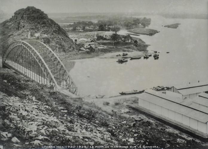 Cầu Hàm Rồng bắc qua Sông Mã, một biểu tượng của xứ Thanh, thập niên 1920. Ảnh tư liệu.