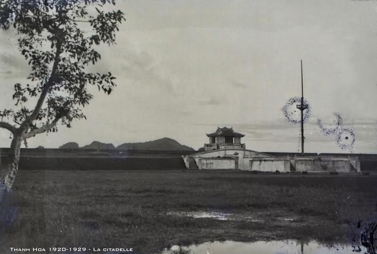 Thành Thọ Hạc ở Thanh Hóa thời Pháp thuộc, thập niên 1920. Tòa thành này được xây dựng dưới thời vua Gia Long và Minh Mạng của nhà Nguyễn. Ảnh tư liệu.