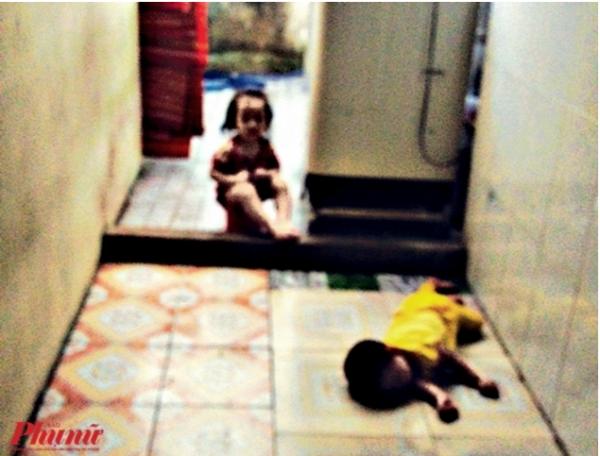 Những đứa bé bị bỏ lăn lóc trong trường Mầm Xanh