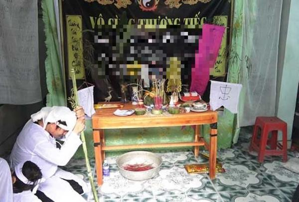 Người thân đã làm lễ gọi hồn, làm tang cho nạn nhân L.V.T (được xác định đã chết, mất tích, không tìm thấy thi thể). Ảnh: Hoàng Lam