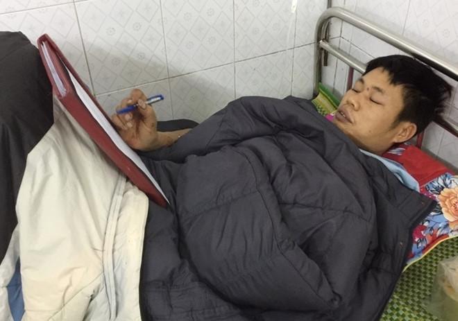 Nguyễn Minh Hùng điềm tĩnh khai báo. Ảnh: Đ.H.