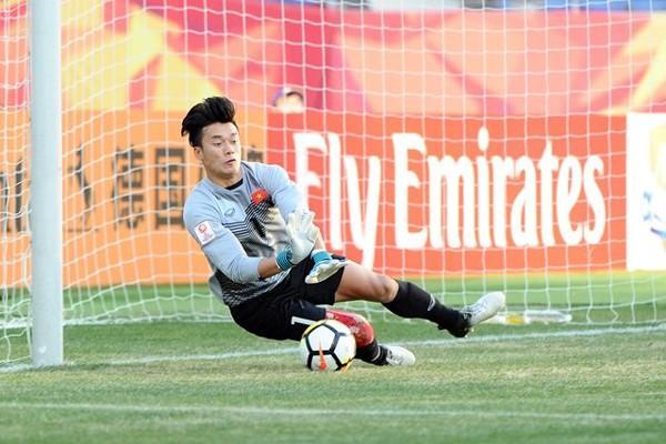 Dũng nén đau, là chỗ dựa vững chắc nơi hàng thủ U23 Việt Nam-ảnh minh họa