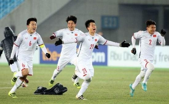 Trong khi đội tuyển U23 vẫn đang là một hiện tượng khuynh đảo truyền thông châu Á…
