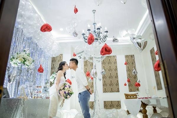 Có bạn gái kinh doanh trong lĩnh vực làm đẹp, thảo mai gu thời trang của Văn Thanh khá ấn tượng.