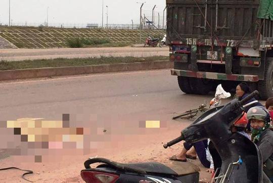 Hiện trường vụ tai nạn khiến người phụ nữ bị xe đầu kéo cán tử vong thương tâm