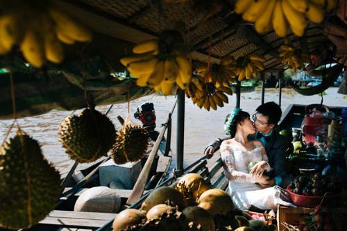 Chợ nổi Cái Răng cũng là một trong những địa điểm chụp ảnh cưới không thể bỏ qua ở miền Tây. (Nguồn: tiin.vn)