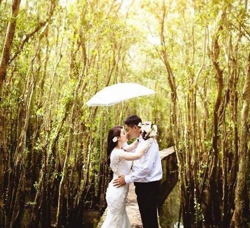 Sắc xanh mơn mởn tràn đầy sức sống trong bộ ảnh cưới đẹp lung linh. (Nguồn: vamvo.com)