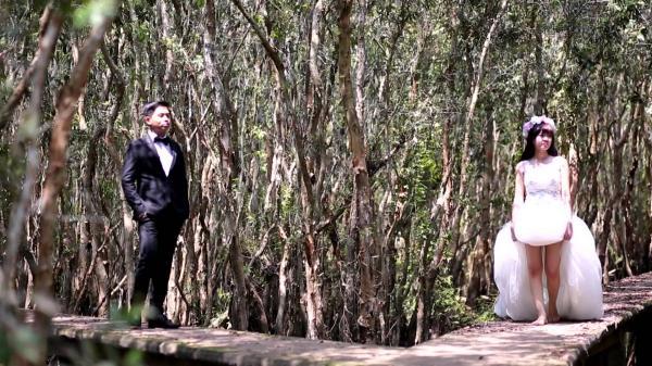 Mê đắm bộ ảnh cưới mộc mạc, bình dị ở làng nổi Tân Lập. (Nguồn: YouTube)
