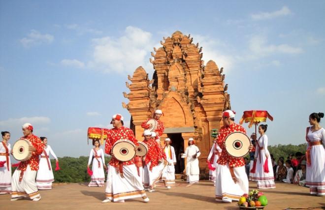Người Chăm, Ninh Thuận (nguồn: phapluatplus.vn)