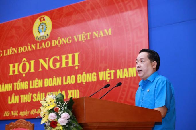 Ông Kiều Ngọc Vũ, Phó Chủ tịch LĐLĐ TP HCM, phát biểu