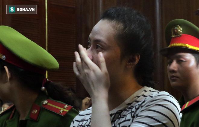 Ngọc Miu khóc nức nở khi thoát án t.ử hình.