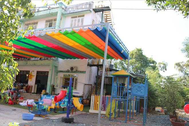 Căn nhà 3 tầng khang trang với 500m2 xây dựng cũng được ông Hiệp tặng luôn có các trẻ mồ côi.