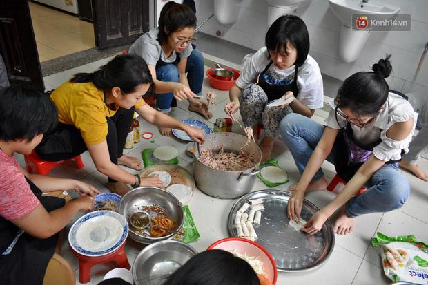 Những bạn trẻ là thành viên của Bếp