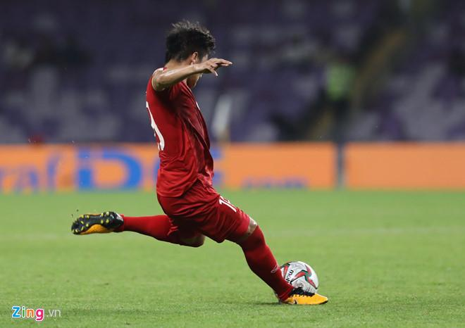 Quang Hải tiếp tục là nguồn cảm hứng lớn trong lối chơi của tuyển Việt Nam tại Asian Cup 2019. Ảnh: Minh Chiến.