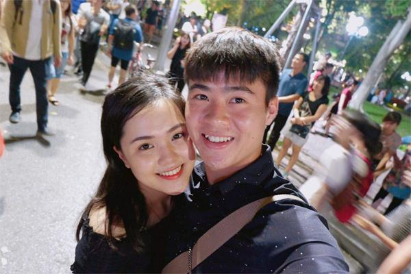Bạn gái xinh xắn của Duy Mạnh là Quỳnh Anh.