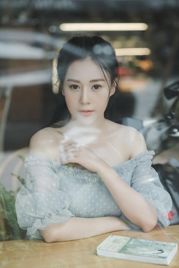 Phương Oanh từng trải qua hai cuộc tình nhiều nước mắt.