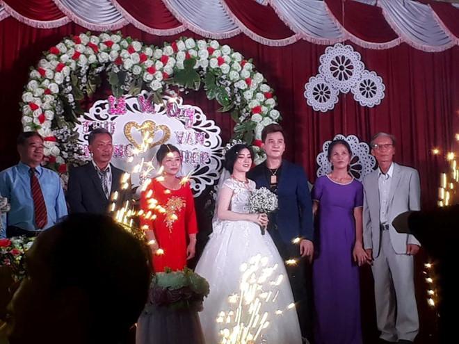 Lâm Chấn Huy kết hôn lặng lẽ tại quê nhà cô dâu.