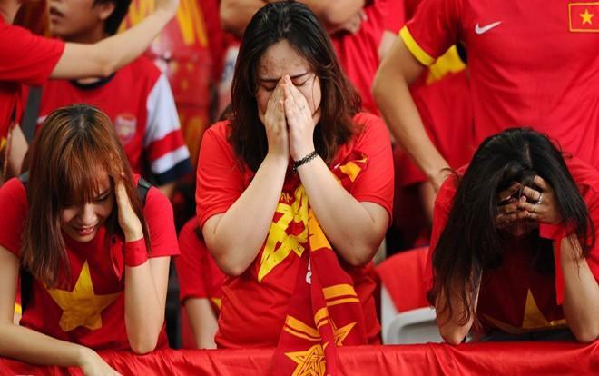 Tình yêu dành cho trái bóng của NHM Việt Nam là không cần bàn cãi.