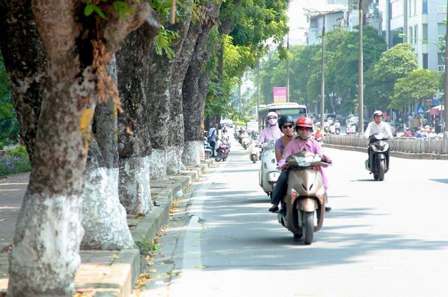 Dù đã sang đông, những ngày qua thủ đô Hà Nội vẫn nắng nóng như mùa hè. Hình minh họa