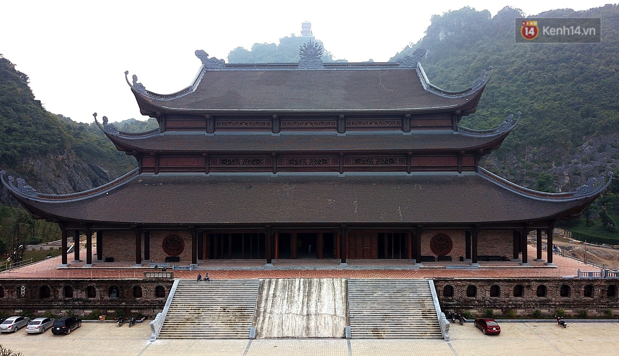 Trong quần thể chính chùa Tam Chúc thì điện Tam Thế đã cơ bản hoàn thành các hạng mục.
