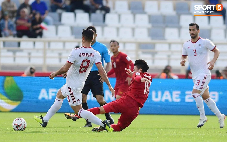 Thi đấu lăn xả, các cầu thủ áo đỏ đã gây ra nhiều khó khăn cho ứng cử viên vô địch Asian Cup 2019.