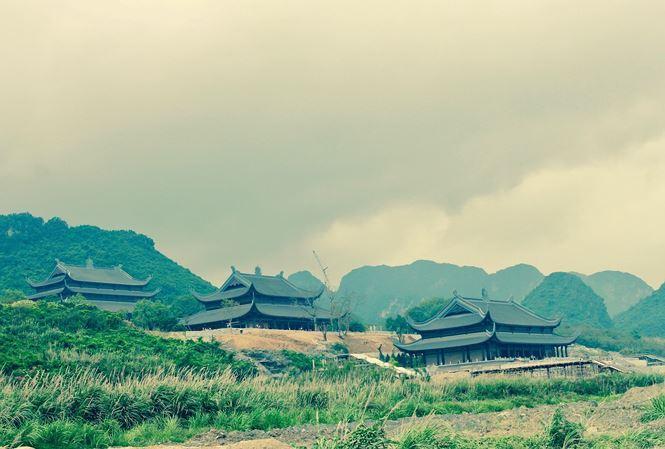 Quần thể chùa Tam Chúc. Ảnh: M.Đ