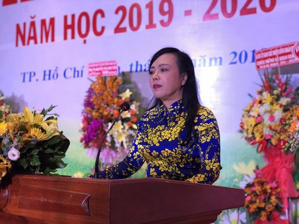 PGS.TS Nguyễn Thị Kim Tiến - Bộ trưởng Bộ Y tế phát biểu trong lễ khai giảng của trường ĐH Y Dược TP.HCM.