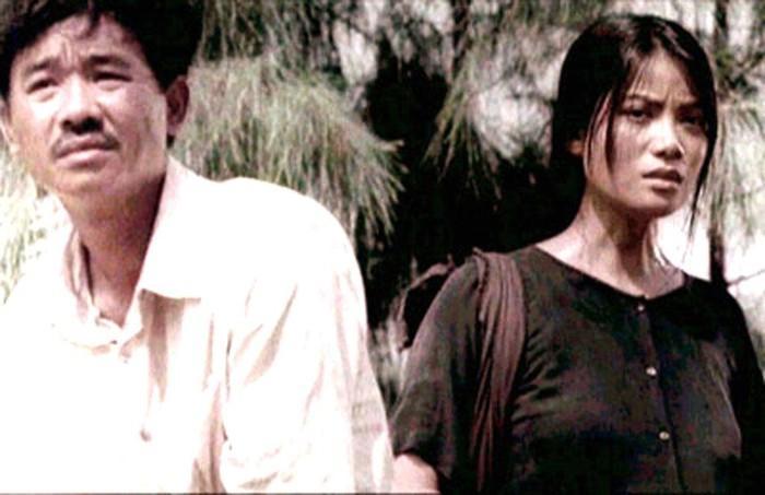 Quốc Khánh trong bộ phim Áo lụa Hà Đông đóng cùng Trương Ngọc Ánh.