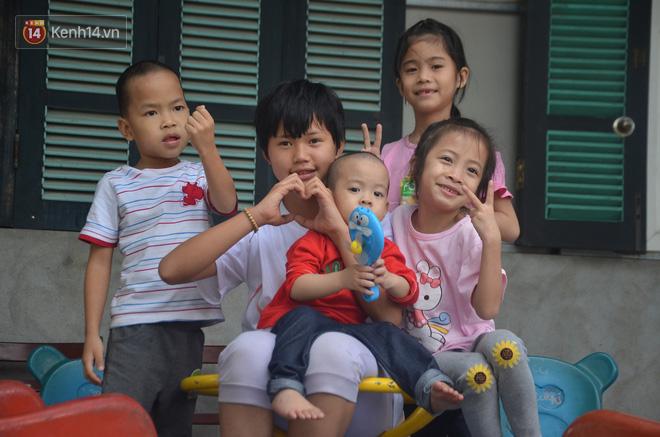 Những đứa trẻ bị bố mẹ bỏ r.ơi sống trong ngôi chùa Mục Đồng.