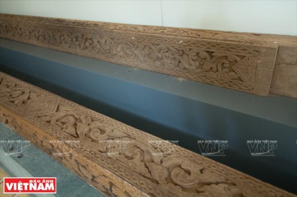 Những khối đá sa thạch chạm khắc tinh là các hiện vật được khai quật tại địa bàn tỉnh Trà Vinh.