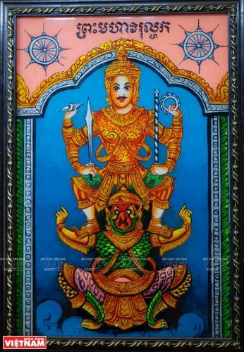 Tranh kiếng nghệ thuật, một trong những bộ môn nghệ thuật nổi tiếng của người Khmer, với nhiều nghệ nhân tài năng.