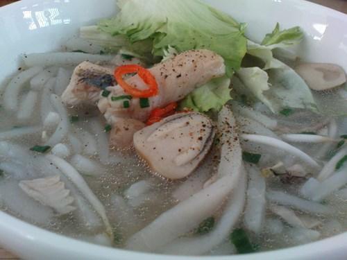 Bánh canh cá lóc nước cốt dừa
