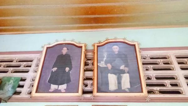 Chân dung vợ chồng ông Trần Bang Tới vẫn đang được ông Trần Thanh Hùng thờ phụng