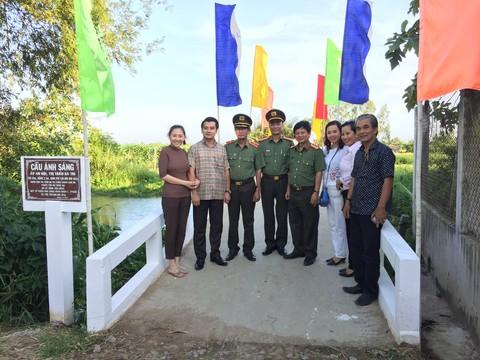 Khánh thành và bàn giao cầu nông thôn tại ấp An Hội, thị trấn Ba Tri, huyện Ba Tri, Bến Tre