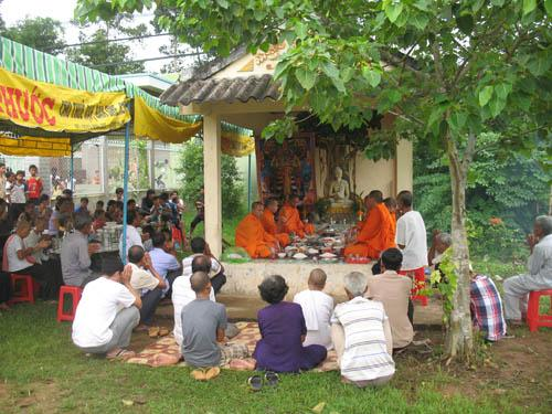 Lễ cúng Neak Ta tại Qui Nông A, Hòa Lợi, Châu Thành, Trà Vinh (Ảnh: TL)