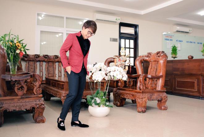 Bạn trai mới của Hòa Minzy: Vừa điển trai lại là thiếu gia miền Tây mê đồ hiệu - Ảnh 5.