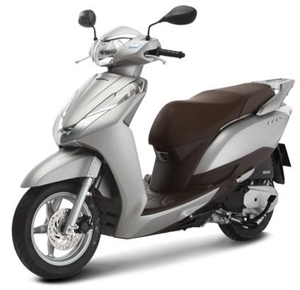 Honda Lead có bánh xe khá nhỏ. Ảnh: Honda