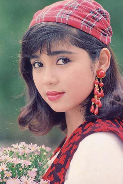 Việt Trinh được coi là một trong những minh tinh màn bạc thập niên 90
