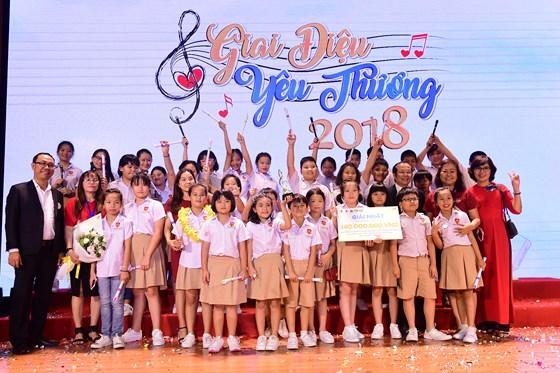 """Giải quán quân đã thuộc về tiết mục hợp xướng """"We are one"""" của các em học sinh trường Liên cấp Hội nhập Quốc tế iSchool Ninh Thuận."""