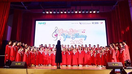 """Tất cả các em học sinh tham dự Gala biểu diễn tiết mục """"Mỗi ngày học là một ngày vui"""""""