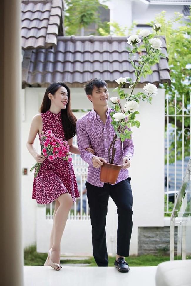 Hai vợ chồng nữ ca sĩ Thủy Tiên và cầu thủ Công Vinh tự tay mua sắm nội thất và trang trí không gian sống của mình.