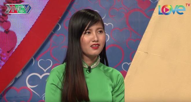 Trang cũng xinh gái, tuýp con gái cổ điển.