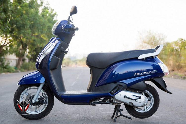 Trên phiên bản mới này, trọng lượng Suzuki Access 125 đáp ứng BSIV vẫn giữ nguyên 102 kg so với mẫu xe đời cũ (trọng lượng ướt). Xe có tổng chiều dài 1.870 mm, rộng 655 mm và chiều dài cơ sở 1.160 mm. Độ thoáng gầm của xe là 160 mm và chiều cao yên 780 mm.