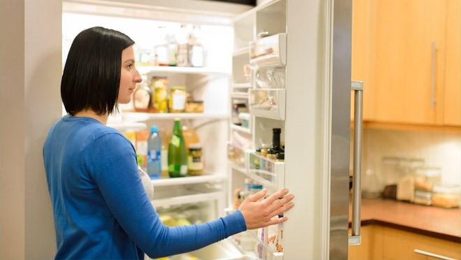 Lấy đồ thì nhanh chóng, đừng mở cửa tủ quá lâu.
