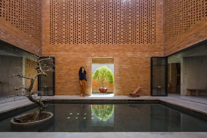 Thiết kế khung và ánh sáng được tính toán kĩ mang đến cho ngôi nhà những góc đẹp như mơ.