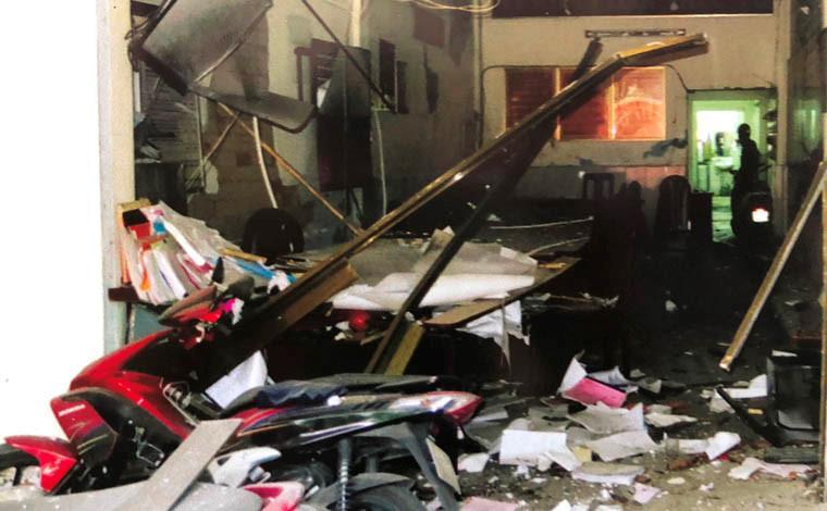 Nghi can Khanh cầm đầu vụ khủng bố đặt trái nổ vào trụ sở Công an phường 12, quận Tân Bình .