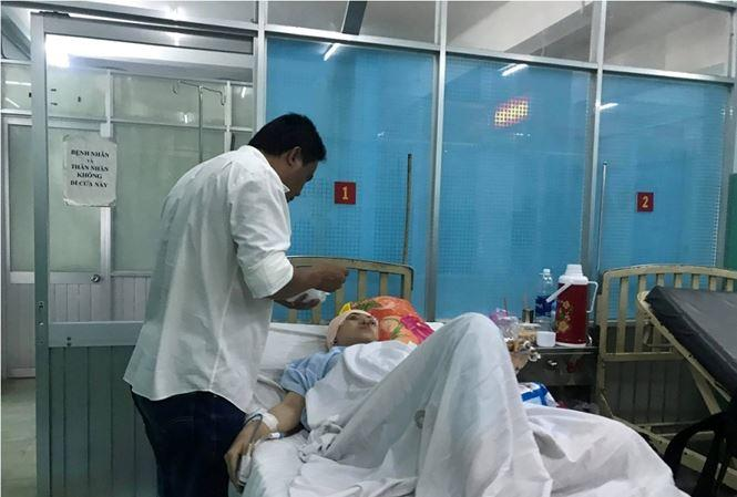 Nạn nhân đang được điều trị tại bệnh viện.